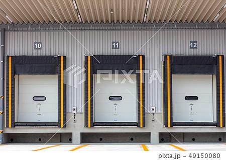 冷凍倉庫のドックシェルター (倉庫・配送センターとトラックの隙間を塞ぐ装置) 49150080