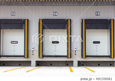 冷凍倉庫のドックシェルター (倉庫・配送センターとトラックの隙間を塞ぐ装置) 49150081