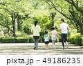 家族 ジョギング アウトドア 親子イメージ 49186235
