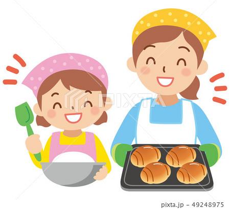 パン作りをする親子 49248975