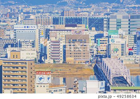 大阪 梅田 ビル群 中津、十三方面   49258634
