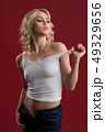 女 女の人 女性の写真 49329656