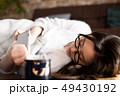 女性 ライフスタイル タブレットの写真 49430192