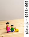 子供 人形 コピースペースの写真 49684665