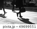 朝の通勤シーンの写真 49699551