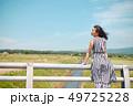 女性 1人 畑の写真 49725228
