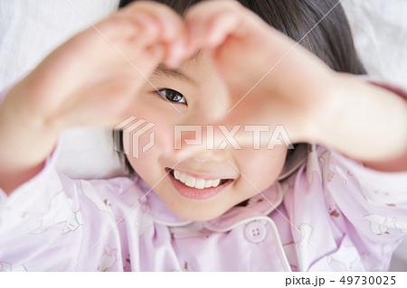 女の子 子供 ライフスタイル 49730025