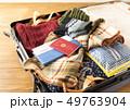 スーツケース 冬 旅行 出張 パスポート セーター 49763904