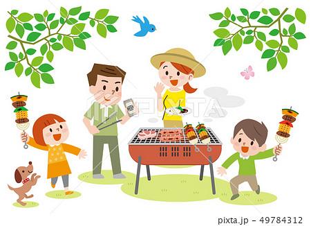 バーベキューを楽しむ家族 49784312