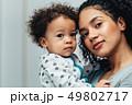 ポートレート おかあさん お母さんの写真 49802717