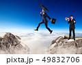 ビジネスマン 実業家 ジャンプの写真 49832706