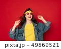 バンダナ ジャケット サングラスの写真 49869521