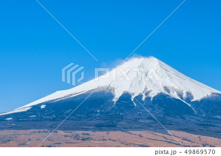 高座山から望む富士山(春) 49869570