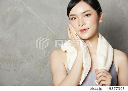 女性 スポーツウェア 49877303