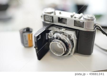クラシックフィルムカメラ perming写真素材 49881341