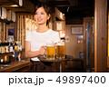 人物 女性 居酒屋の写真 49897400
