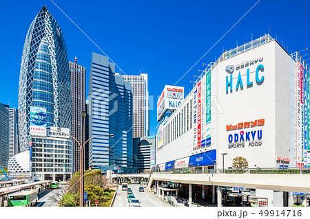 東京 新宿駅 西口 駅前風景 49914716