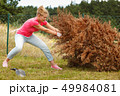 女 女性 樹木の写真 49984081