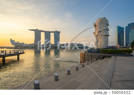 Merlion park with sunrise in Singapore city 50050322
