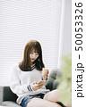 女性 アジア人 ニットの写真 50053326