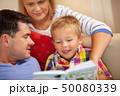 ファミリー 家庭 家族の写真 50080339
