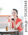 女性 アジア人 ブラシの写真 50162848