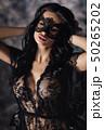 女性 お面 マスクの写真 50265202
