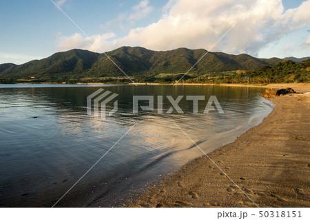 石垣島の名蔵湾の夕景 50318151