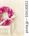 ピンクのフラワーリース 50416852