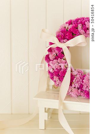ピンクのフラワーリース 50416854