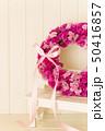 ピンクのフラワーリース 50416857
