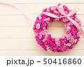 ピンクのフラワーリース 50416860