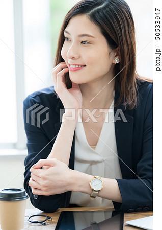 ビジネスシーン 女性 50533947