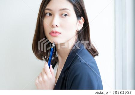 ビジネスシーン 女性 50533952