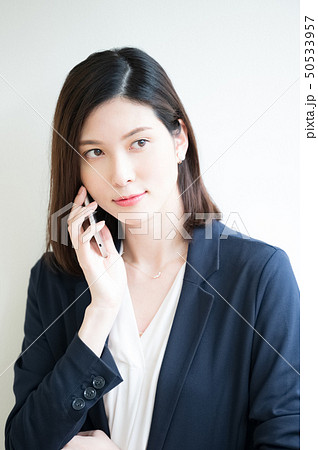 ビジネスシーン 女性 50533957