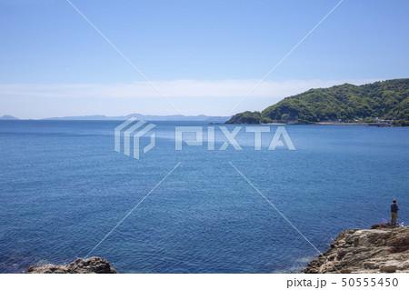 日豊海岸と釣り人 50555450