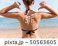 女性 ビーチ 浜辺の写真 50563605