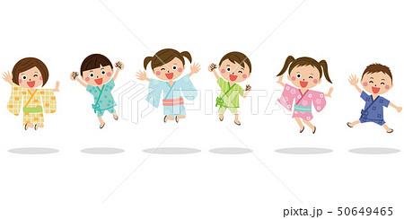 子供が男女6人 浴衣や甚平を着て元気にジャンプのイラスト素材