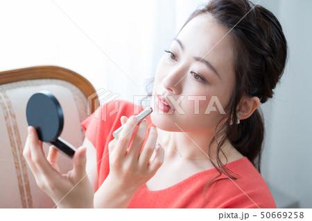 コスメ ビューティー 女性 50669258