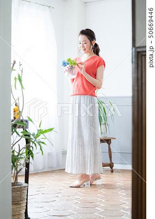 ポートレート 女性 50669446