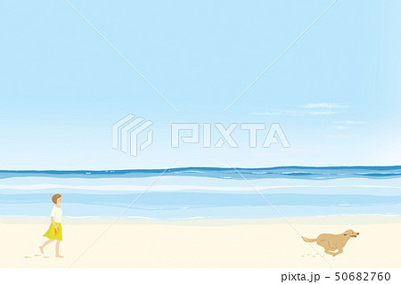 晴れた夏の海の砂浜を走る犬と散歩する女性 50682760
