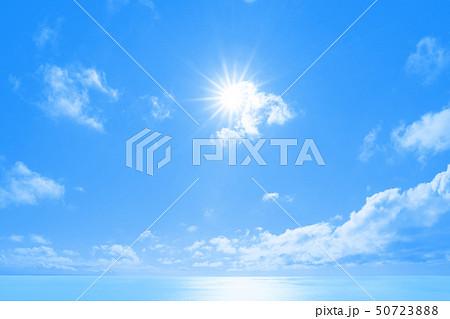 青空と海 50723888