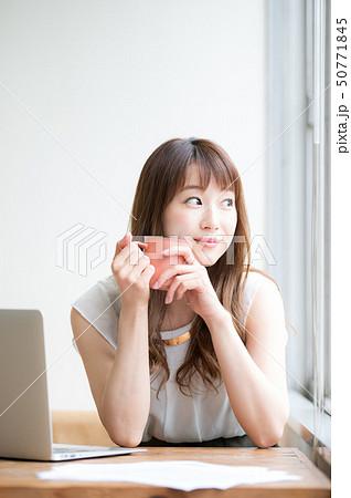 ライフスタイル 女性 50771845