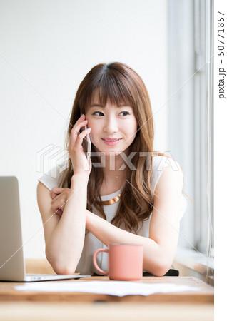 ライフスタイル 女性 50771857