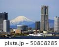 横浜みなとみらいと富士山 50808285
