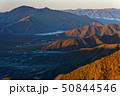 御坂山地・十二ヶ岳から見る朝の本栖湖と毛無山 50844546