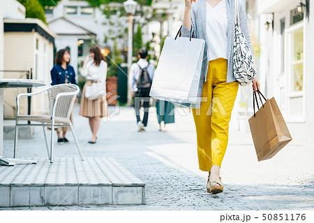 女性 主婦 ショッピング ライフスタイル 50851176