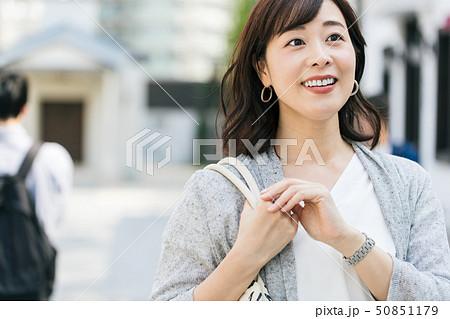 女性 主婦 ショッピング ライフスタイル 50851179