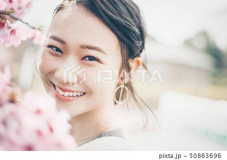 桜 春 女性ポートレート 50863696