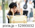 旅行 スマホ 女性 ライフスタイル 52993032